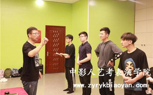 中影人老师讲解声乐歌唱技法之假声唱法!